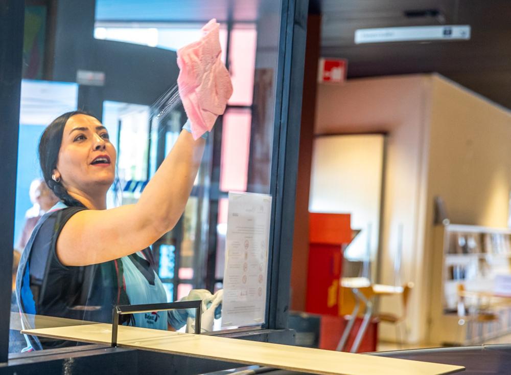 AO corona schoonmaken glas 1000