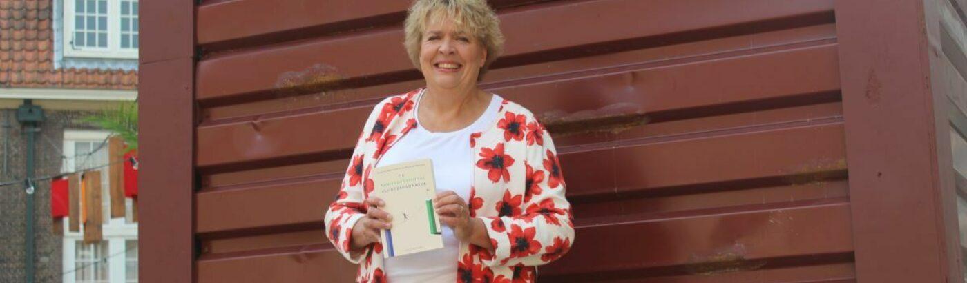 Karin Sleeking - Sam Rapport uitgereikt -1200